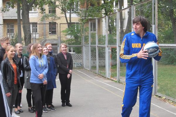 Олександр Лохманчук: діти попросили організувати баскетбольну секцію