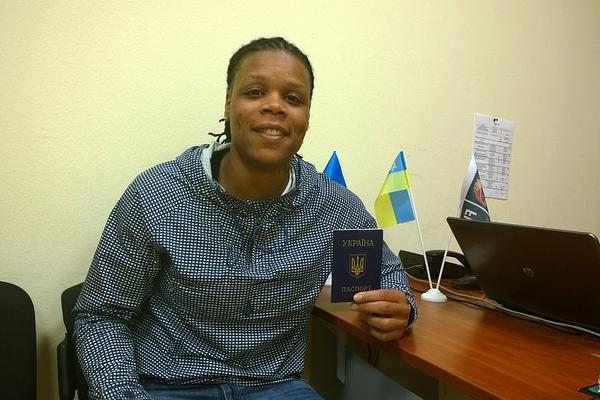 Д'Андра Мосс отримала український паспорт