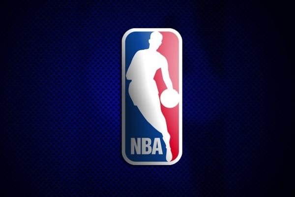 Найкращі моменти передсезонних матчів НБА 2016 року