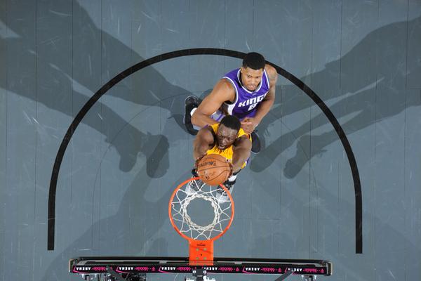 Найкращі данки передсезонних матчів НБА 2016 року
