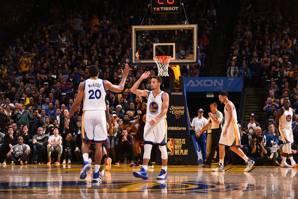 Арбітри НБА не зарахували неймовірне влучання Каррі