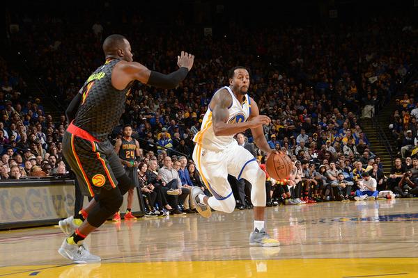 Найкращі дальні кидки в НБА в листопад