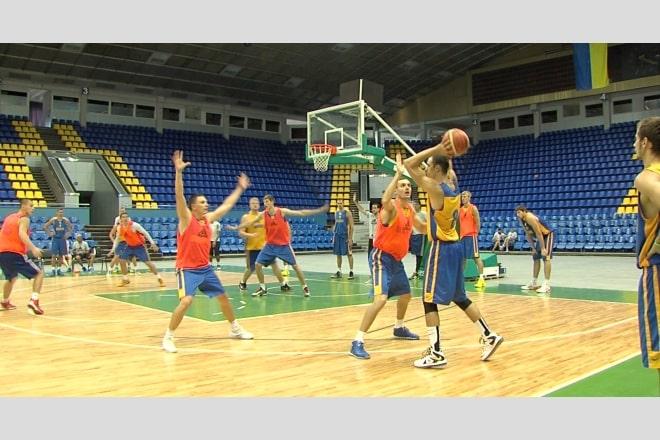 Національна збірна України в Києві готується до чемпіонату світу