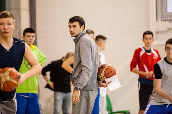 Валентин Мельничук рассказывает о разминочных упражнениях