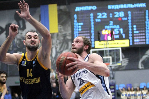 Суперліга Парі-Матч: український баскетбол повертає клас і глядача