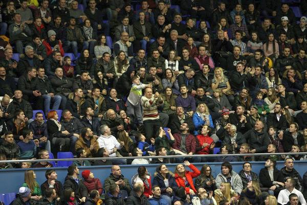 Будівельник встановив рекорд відвідуваності в Суперлізі Парі-Матч