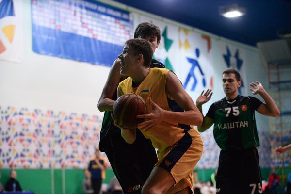 Збірна України U-18 - Каштан: фотогалерея спарингу