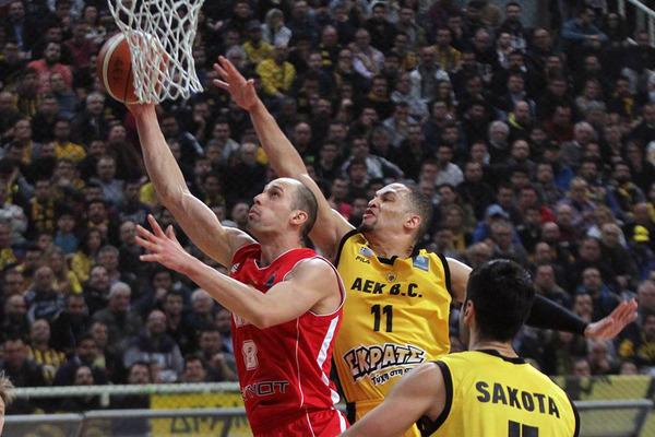 Команда Гладиря програла перший матч 1/8 фіналу Ліги чемпіонів