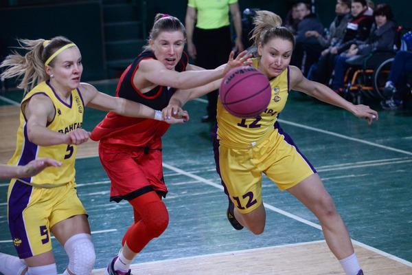 Фінал у миттєвостях: фотогалерея жіночого фіналу Кубка України