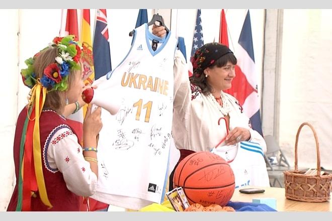 У Більбао відбувся благодійний аукціон. Зібрано кошти для захисників Батьківщини, котрі зараз на Сході України ВІДЕО