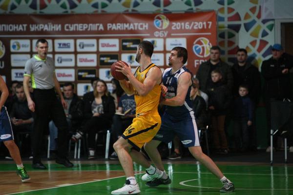 Будівельник розгромив Миколаїв у останньому матчі регулярного чемпіонату