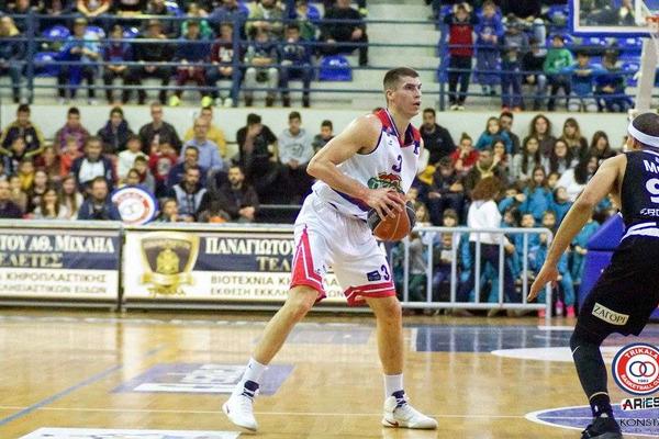 Олександр Липовий проти Олімпіакоса. Дивіться матч чемпіонату Греції