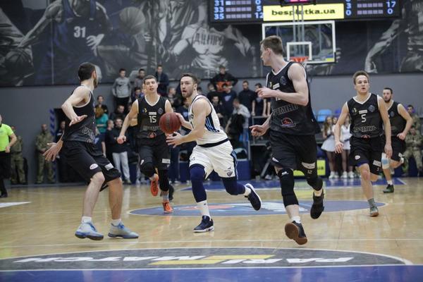 Дніпро розгромно переміг у заключному поєдинку регулярного чемпіонату