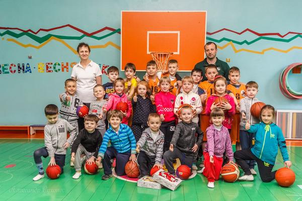 Юні баскетболісти Кропивницького провели майстер-клас в дитсадку