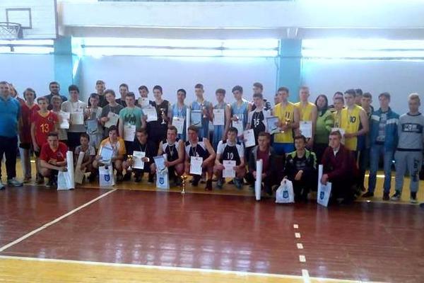 Юнаки Луганщини зіграли в обласному чемпіонаті з баскетболу 3х3
