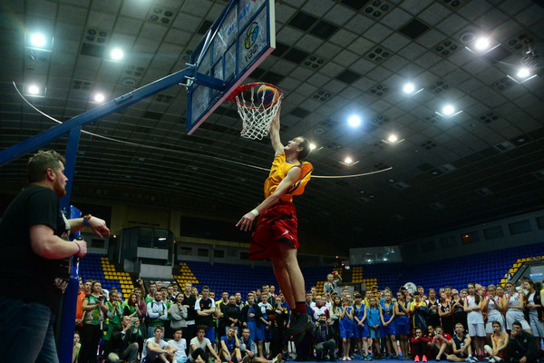 "Фінал Чемпіонату України ""Шкільна Баскетбольна Ліга 3х3"": дійство у розпалі"