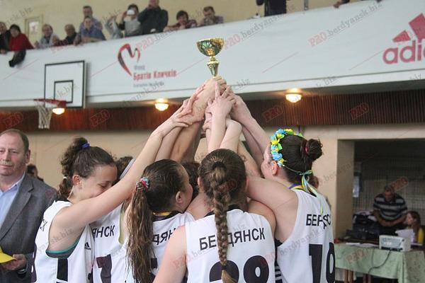 Як бердянські дівчата-2001 виграли чемпіонат ВЮБЛ: телерепортаж