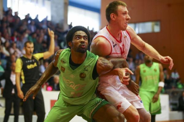 Максим Корнієнко виграв перший матч фіналу в Болгарії
