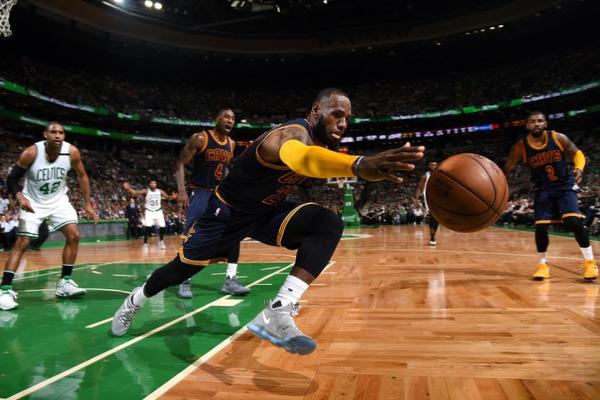 Найкращі передачі фіналів конференцій НБА