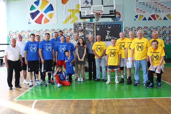 Ветерани столичних клубів привітали Анатолія Поливоду: фотогалерея