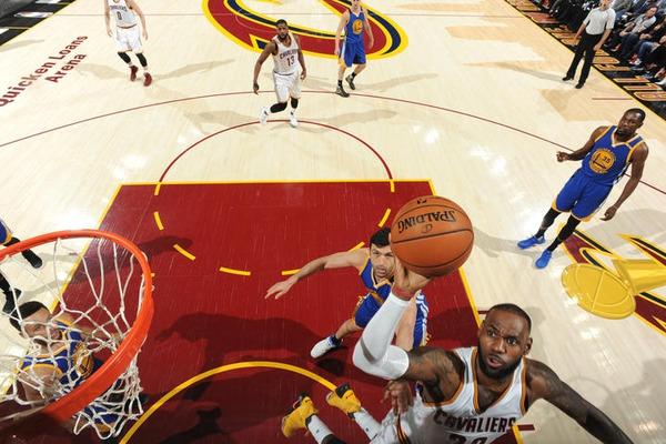 Четвертий матч фіналу НБА за 5 хвилин