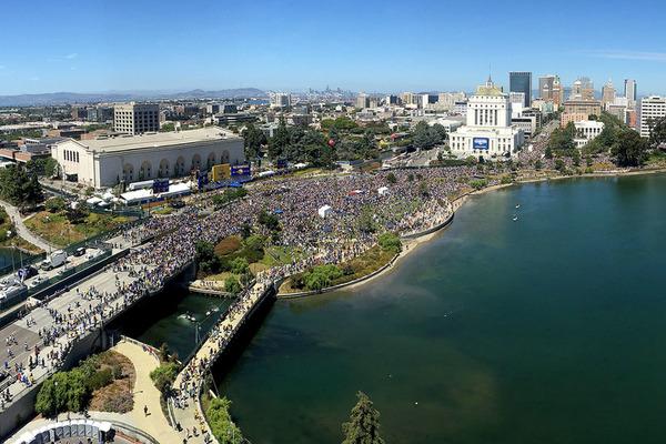 Понад 2 млн фанів відвідали чемпіонський парад Голден Стейт
