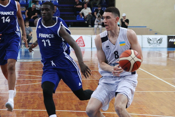 Молодіжна збірна України поступилася Франції