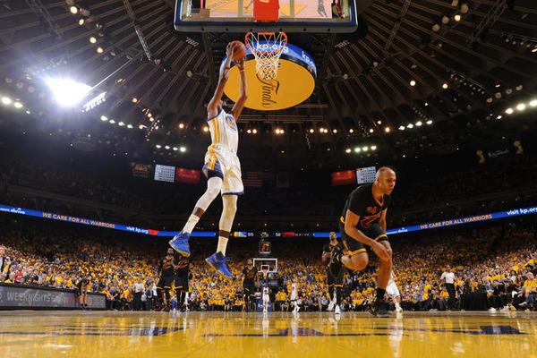 Найкращі данки фіналу НБА