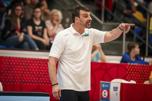 Володимир Холопов: збірна України має зіграти в свій баскетбол