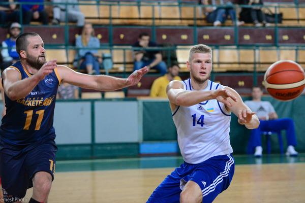 """Україна-2 обігрує """"Планету Баскетбол"""": фотогалерея"""