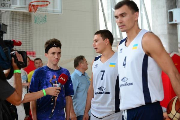 Дитячі мрії здійснюються на баскетбольному майданчику