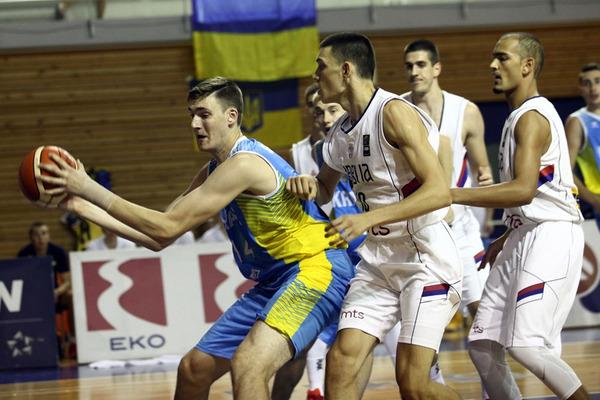 Молодіжна збірна Україна поступилась Сербії у 1/8 фіналу ЄвроБаскета-2017