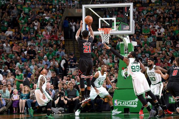 Найкращі вирішальні кидки сезону в НБА