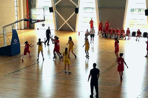 Жіноча збірна U-18 програла в першому матчі Болгарії