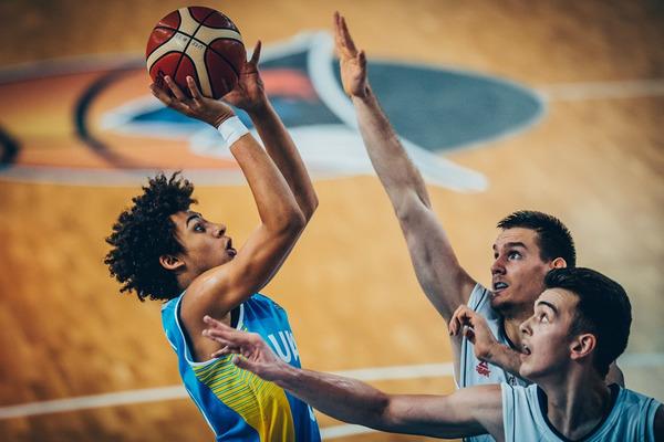 Україна U-18 не втримала перевагу і програла Сербії на ЄвроБаскеті-2017