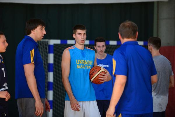 Збірна України зіграє перший матч у Греції