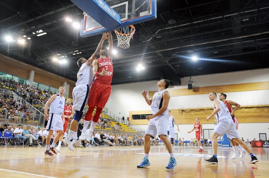 Чоловіча збірна України поступилась хорватам на турнірі у Опатії