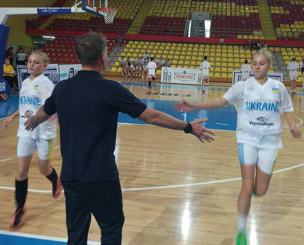 Жіноча збірна України U-16 переможно стартувала на чемпіонаті Європи