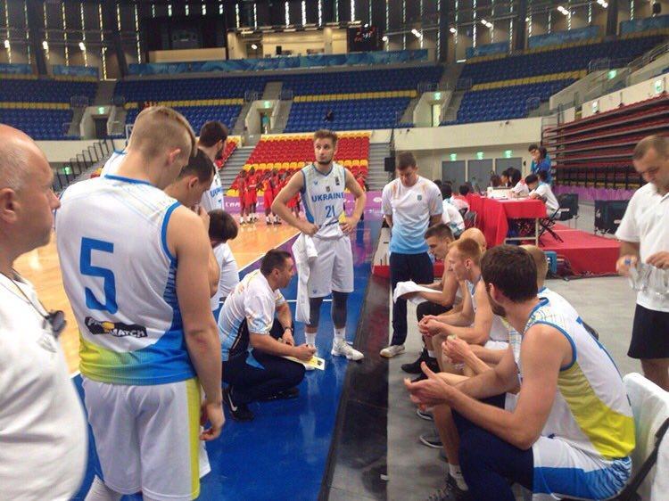 Студентська збірна України впевнено долає найсильнішу команду Африки