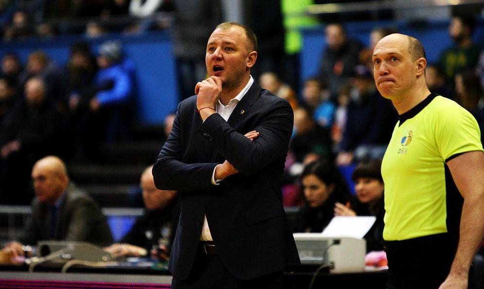 Хорошие отношения между тренерами и судьями