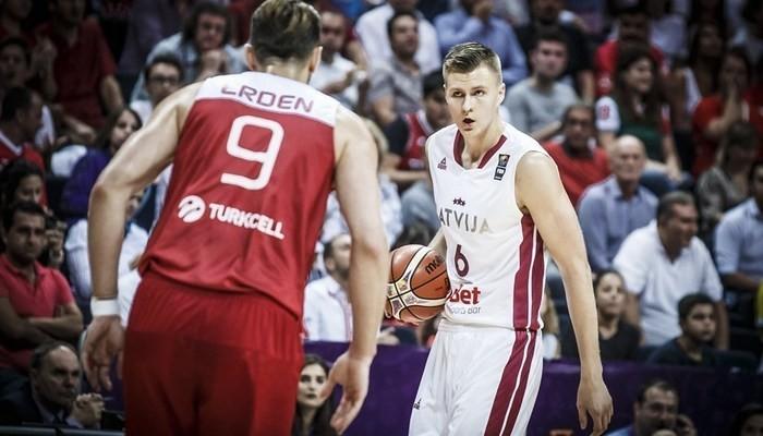Відеотрансляція матчу Латвія – Чорногорія (1/8 чемпіонату Європи)