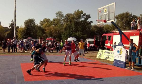 На День міста у Черкасах грали у стрітбол