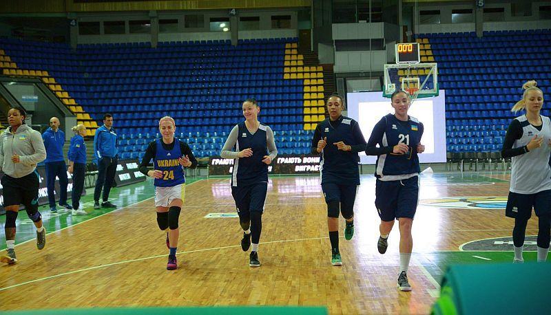 Збірна України провела відкрите тренування в Палаці спорту: фотогалерея