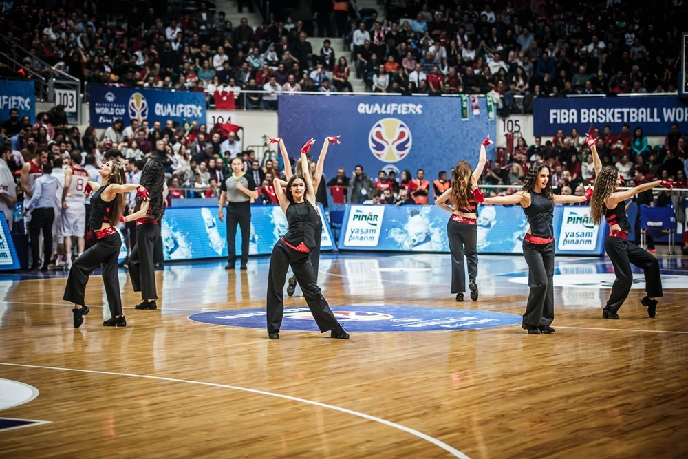 Збірні України та Туреччини зіграють за одноосібне лідерство
