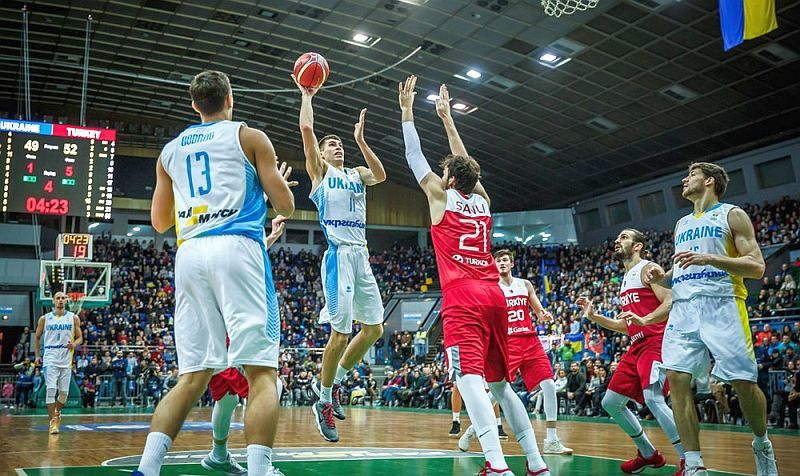 Збірна України програла в домашньому рекордному матчі: фотогалерея