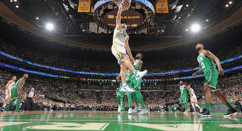Найкращі данки місяця в НБА: відео