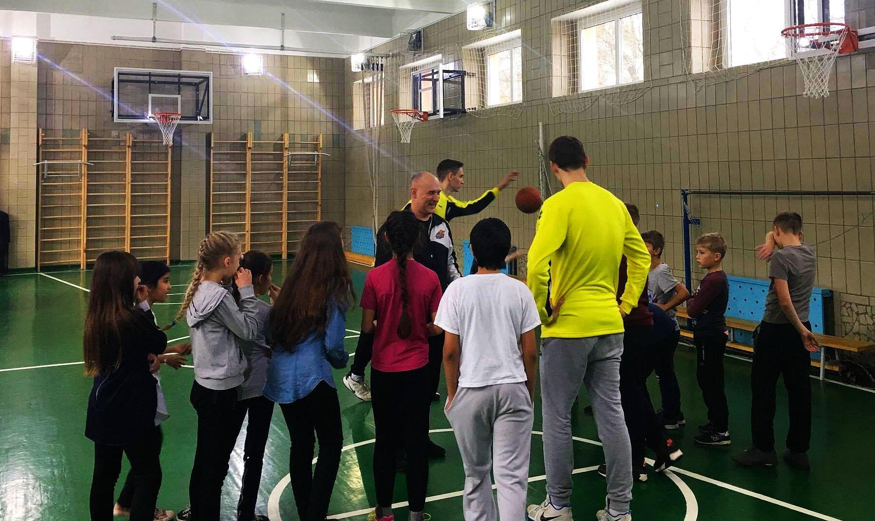 Київ-Баскет: веселий баскетбольний рейд триває