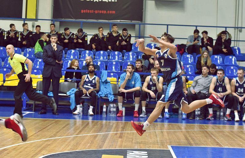 Вища ліга: у Одесі зійдуться фаворити групи