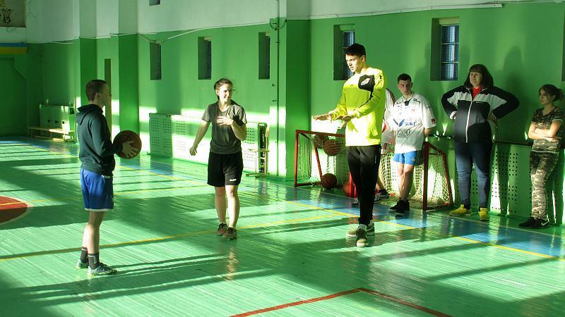 Гравці Київ-Баскета завітали до коледжу: фотогалерея