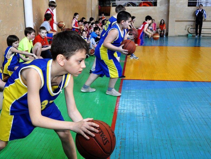 У Львові планують ввести урок баскетболу